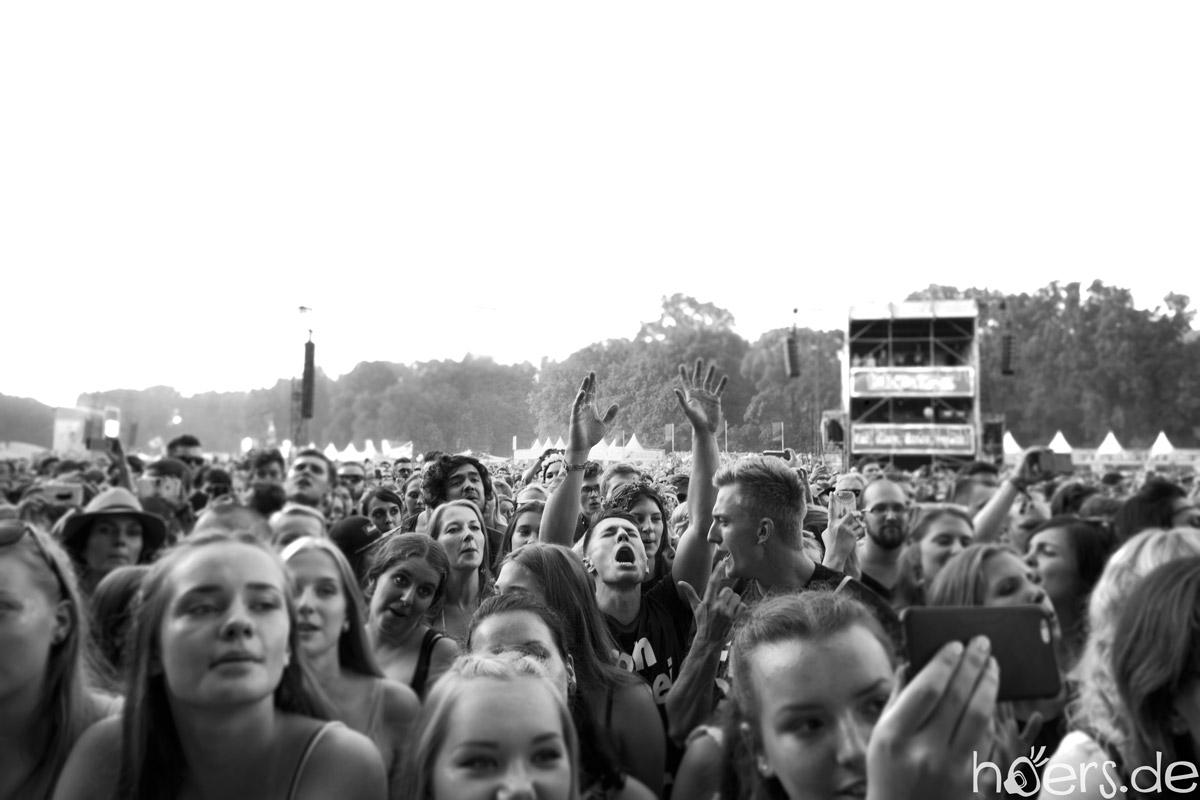 People - Lollapalooza - Berlin - 2016 - 01 - Hoers.de - anablanchphotography.com